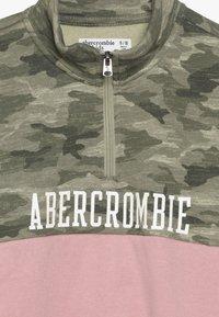 Abercrombie & Fitch - YOKE BLOCKED - Sweatshirt - pink - 4