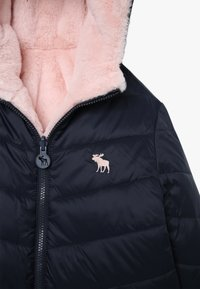 Abercrombie & Fitch - COZY PUFFER - Veste d'hiver - navy/pink - 4
