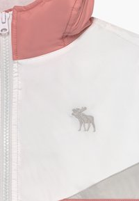 Abercrombie & Fitch - COLORBLOCK - Välikausitakki - pink/grey/white - 3