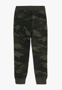 Abercrombie & Fitch - BETTER CAMO JOGGER - Pantalon classique - khaki - 1