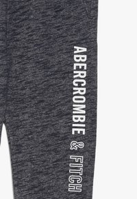 Abercrombie & Fitch - CORE LOGO - Trainingsbroek - navy - 3