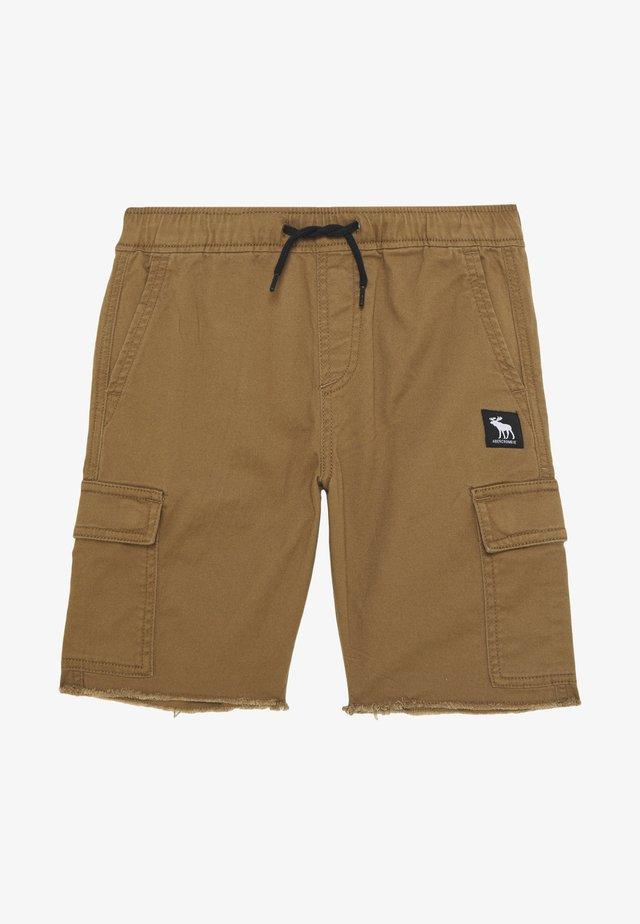RAW PULL ON CARGO - Shorts - khaki