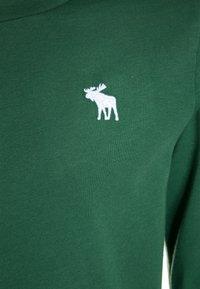 Abercrombie & Fitch - BASIC CREW - Maglietta a manica lunga - green - 2