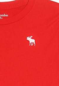 Abercrombie & Fitch - BASIC CREW - T-shirt basic - red - 3