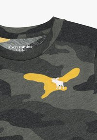Abercrombie & Fitch - PATTERN - T-shirts print - khaki - 3