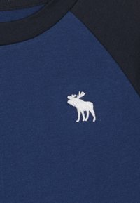 Abercrombie & Fitch - NOVELTY BASIC - Print T-shirt - blue - 3