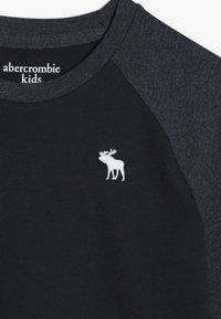 Abercrombie & Fitch - NOVELTY BASIC - Långärmad tröja - navy - 3