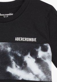 Abercrombie & Fitch - BASIC NOVELTY  - Triko spotiskem - black - 3