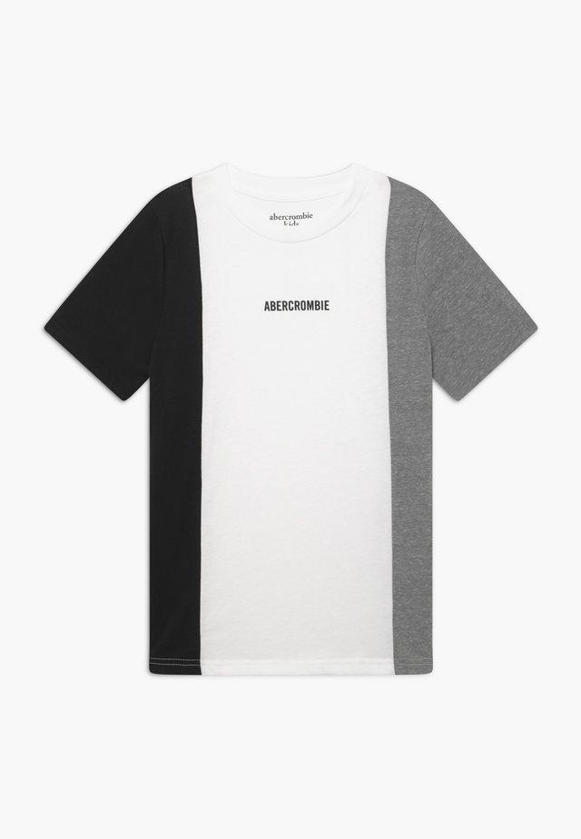 FASHION TEE - T-shirt print - grey/white