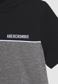 Abercrombie & Fitch - HOODED TEE  - Print T-shirt - black/grey - 2