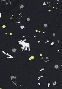 Abercrombie & Fitch - FASHION - Print T-shirt - black - 2