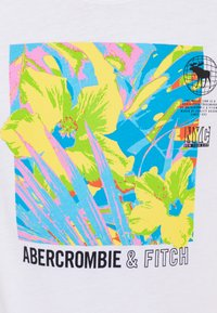 Abercrombie & Fitch - TERTIARY PRINT LOGO - T-shirt con stampa - white - 2