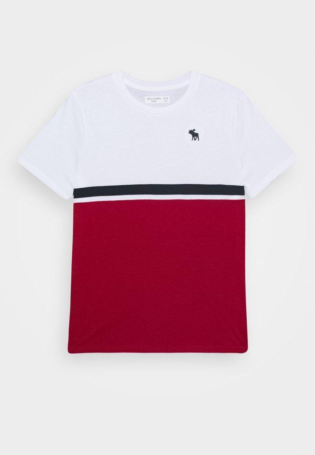 COLORBLOCK - T-shirt imprimé - white
