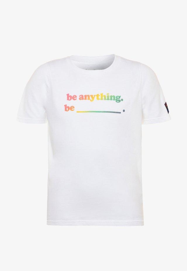 PRIDE TEE - T-shirt print - white