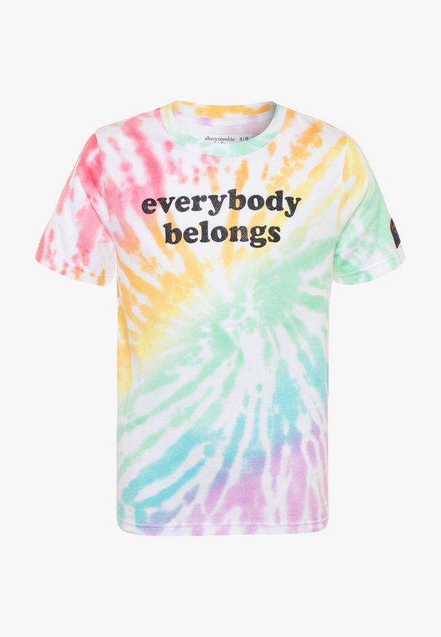 PRIDE TEE  - Print T-shirt - rainbow