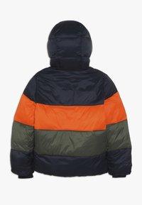 Abercrombie & Fitch - ESSENTIAL PUFFER - Vinterjacka - orange/navy/olive - 1