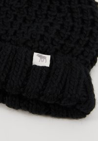 Abercrombie & Fitch - POM BEANIES - Muts - black/white - 2