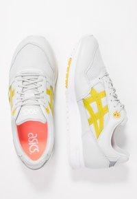 ASICS SportStyle - GELSAGA - Sneaker low - glacier grey/mustard - 1