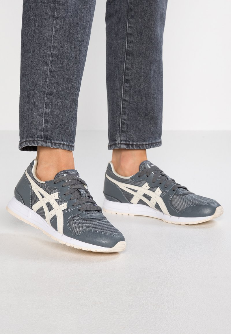 ASICS SportStyle - GEL-MOVIMENTUM - Trainers - steel grey/ivory