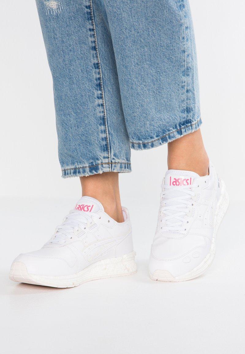 ASICS SportStyle - HYPERGEL-LYTE - Sneakers laag - white