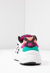ASICS SportStyle - Sneakersy niskie - black/white - 5