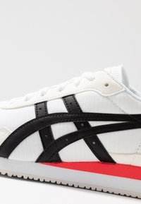 ASICS SportStyle - TIGER RUNNER - Trainers - white/black - 2