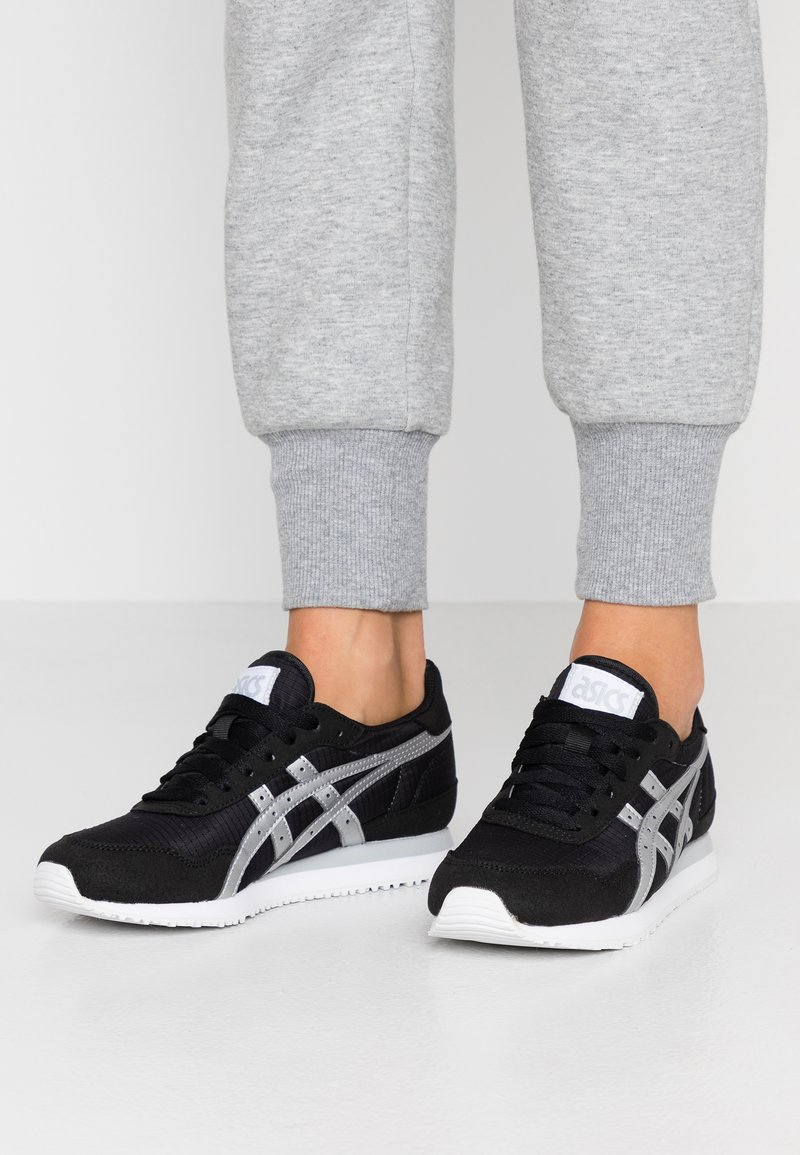 ASICS - TIGER RUNNER - Sneakers laag - black/silver