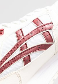 ASICS SportStyle - GELSAGA - Trainers - white/brisket red - 2