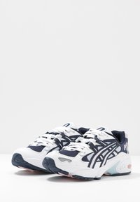 ASICS SportStyle - GEL KAYANO - Sneakers - white/midnight - 4