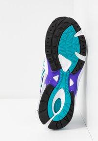 ASICS SportStyle - GEL KAYANO - Sneakers basse - white/royal azel - 6