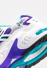 ASICS SportStyle - GEL KAYANO - Sneakers basse - white/royal azel - 2