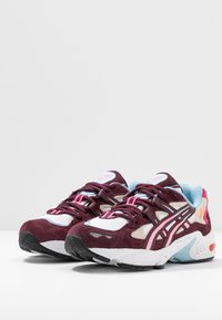 ASICS SportStyle - GEL-KAYANO 5 - Zapatillas - white/deep mars - 4