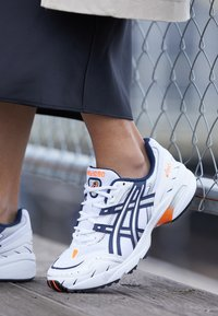 ASICS SportStyle - GEL-1090 - Trainers - white/midnight - 4