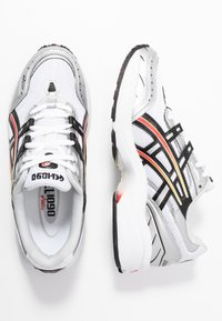 ASICS SportStyle - GEL-1090 - Joggesko - white/black - 5