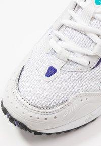 ASICS SportStyle - GEL-1090 - Sneakersy niskie - white/polar shade - 2