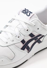 ASICS SportStyle - LYTE CLASSIC - Trainers - white/midnight - 6