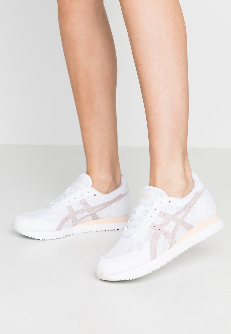 ASICS SportStyle - TIGER RUNNER - Trainers - white/watershed rose