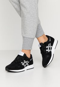 ASICS SportStyle - LYTE CLASSIC - Trainers - black/pure silver - 0