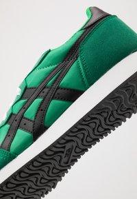ASICS SportStyle - TARTHER - Zapatillas - cilantro/black - 5