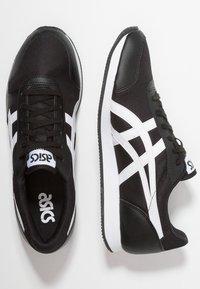ASICS SportStyle - CURREO II - Sneakers basse - black/white - 1