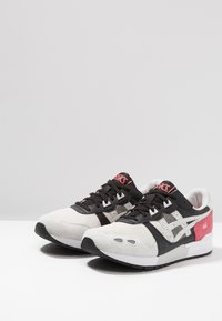 ASICS SportStyle - GEL-LYTE - Trainers - rouge/glacier grey - 2