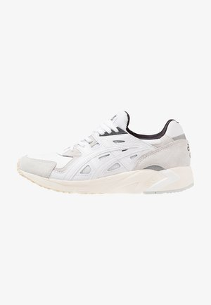 GEL-DS TRAINER   - Sneakers - white
