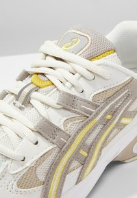 ASICS SportStyle - GEL KAYANO 5 OG - Sneakers - birch/moonrock - 8