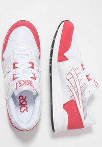 ASICS SportStyle - GEL-LYTE - Matalavartiset tennarit - white/rouge - 1