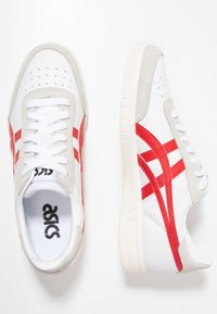 ASICS - GEL-VICKKA - Trainers - white/classic red - 1