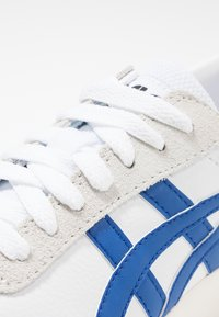 ASICS - GEL-VICKKA - Joggesko - white/blue - 5