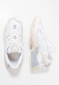 ASICS - GEL-KAYANO 5 OG - Sneakers laag - white - 1