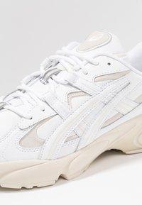 ASICS - GEL-KAYANO 5 OG - Sneakers laag - white - 5