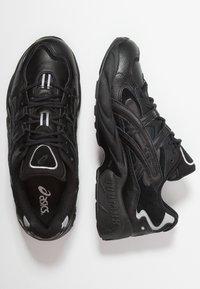 ASICS - GEL-KAYANO 5 OG - Trainers - black - 1
