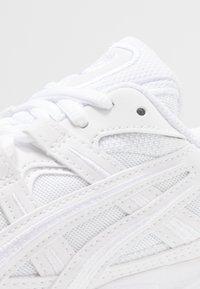 ASICS SportStyle - GEL-KAYANO 5 OG - Trainers - white - 5